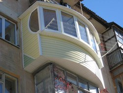 объединение комнаты и балкона в Миассе